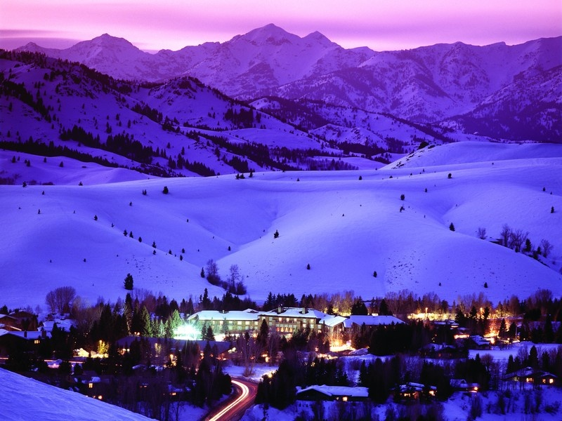 Room Rates at Western Ski Resorts Keep Rising as Advance Reservations Slip