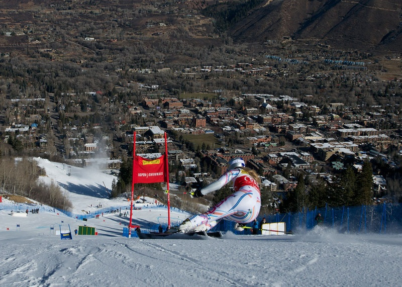 Lindsey Vonn, of Vail, Colo., charges down the giant slalom course at the Aspen Winternational in Aspen, Colo., in 2011. (file photo: Jon Margolis)