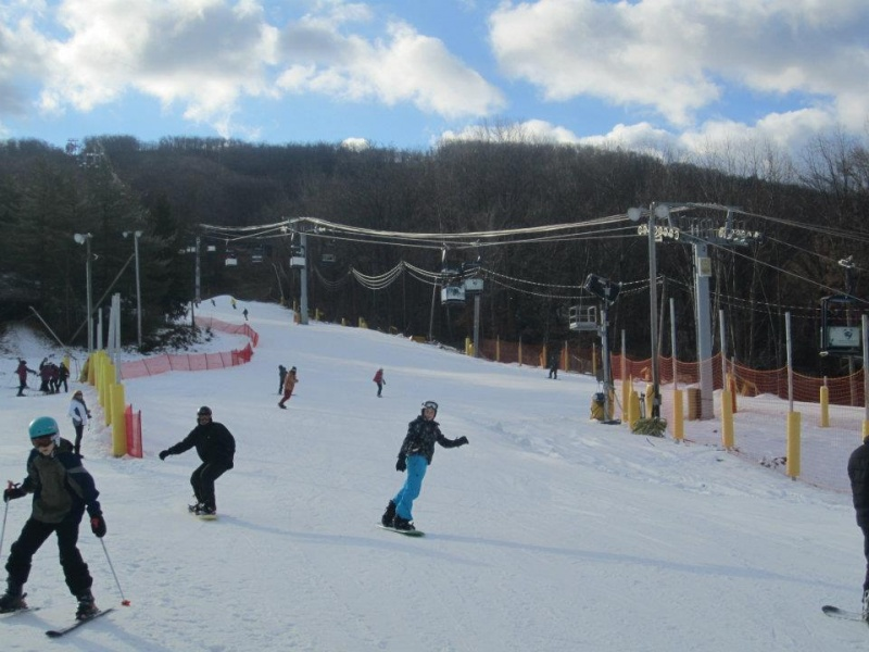 Mountain Creek finally opened for the season with the help of snowmaking on Dec. 26, 2011. (photo: Mountain Creek Resort)