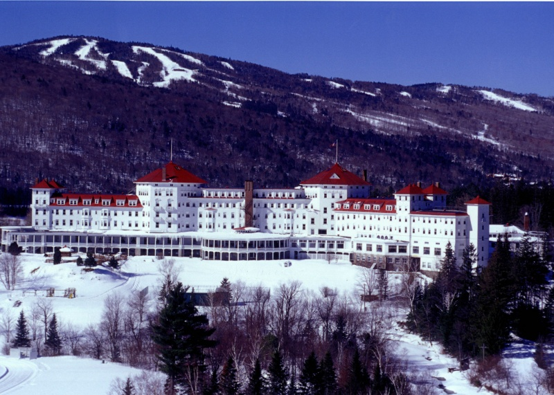 Bretton Woods ski area and the Omni Mount Washington Hotel (photo: courtesy of Omni Mount Washington Resort)