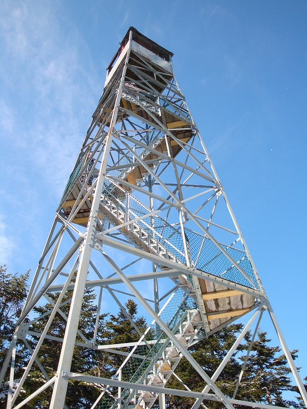 The fire tower atop Okemo Mountain (photo: Shan213)