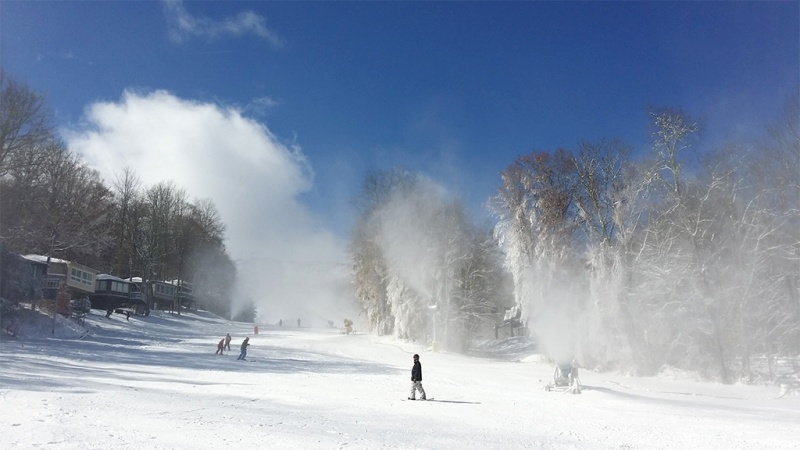 Skiers are on the slopes in the Southeast already, after Sugar Mountain, NC opened on Saturday for its second earliest opening day ever. (photo: Sugar Mountain)