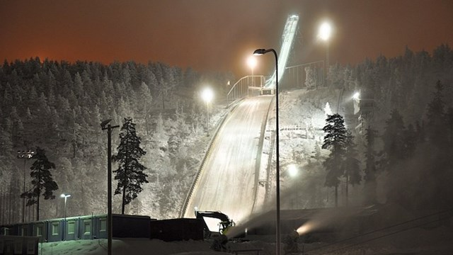 Winds in Ruka, Finland have kept World Cup skiers from jumping since Tuesday. (photo: FIS)
