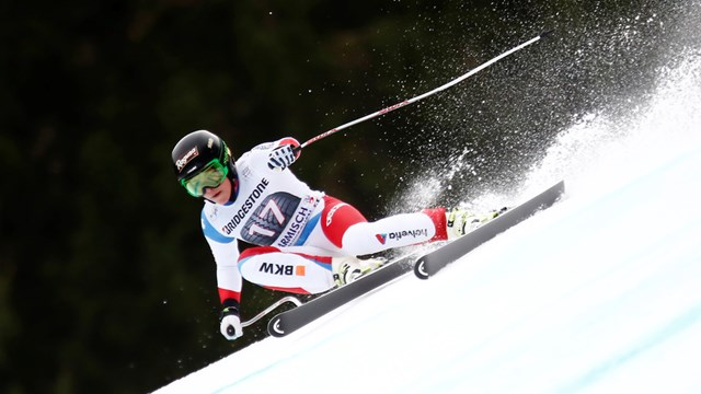 Switzerland's Lara Gut bounces back from a disappointing downhill on Saturday to win Sunday's World Cup super G in Garmisch-Partenkirchen, Germany. (photo: FIS/Agence Zoom)