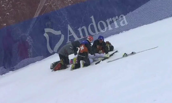 Lindsey Vonn had to be carried off the mountain after crashing in Saturday's World Cup super G. (photo: NBC Sports)