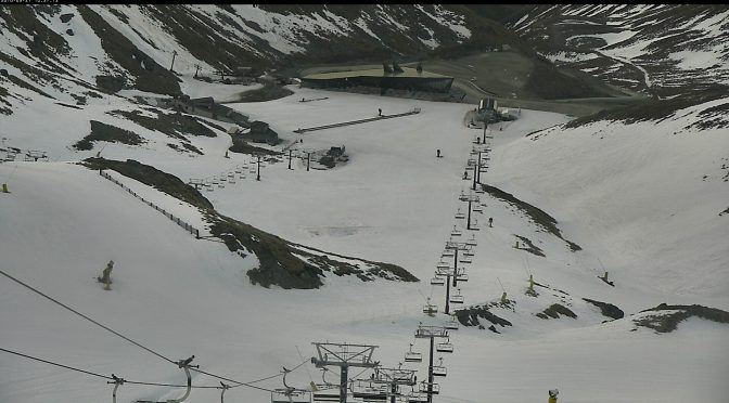The Remarkables Extends Spring Skiing