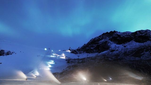 Snowmaking was going full-throttle on the Rettenbach Glacier in Soelden, Austria on Friday. (photo: FIS)