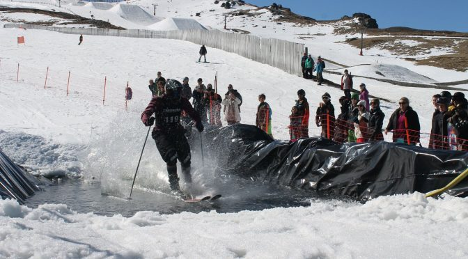 Skiers celebrate closing day at Cardrona on Oct. 9. (photo: Cardrona Alpine Resort)
