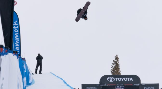 Shaun White competes in Sunday's Halfpipe World Cup finals at Mammoth Mountain. (photo: Mateusz Kielpinski/FIS)