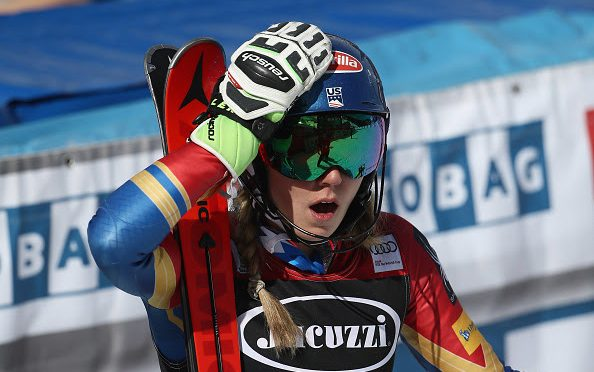 Mikaela Shiffrin reacts after Wendy Holdener of Switzerland skied off course in the second run in Squaw Valley, California. (photo: Getty Images/Ezra Shaw via USSA)